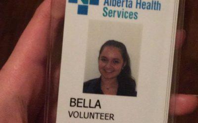 Intercambista faz trabalho voluntário em um hospital no Canadá.